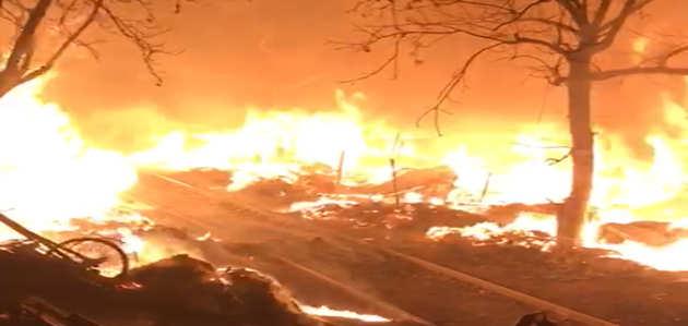 कीर्ति नगर फर्नीचर मार्केट में आग, लाखों का माल खाक