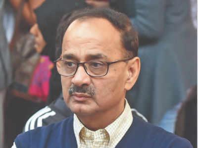 CBI डायरेक्टर के पद से हटाए गए वर्मा ने दिया इस्तीफा