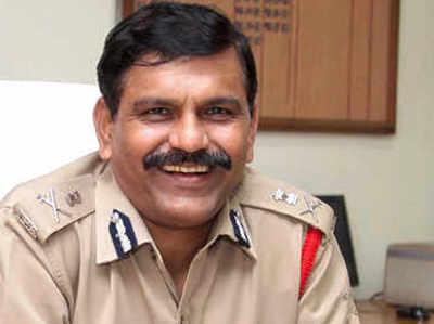 एम नागेश्वर राव ने आलोक वर्मा के ट्रांसफर आदेशों को रद्द किया