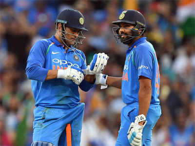 India Vs Australia Rohit Bole, Number Chaar Ke Liye Dhoni Upayukt