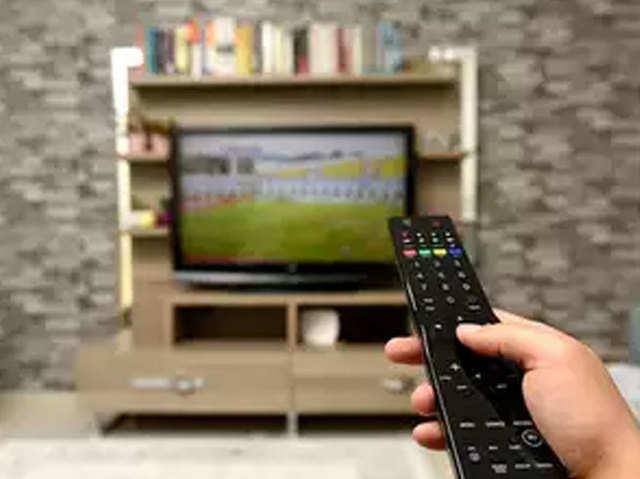 डीटीएच, केबल ऑपरेटर्स के लिए TRAI के नए रूल्स, कंज्यूमर्स को चुनने होंगे 100 चैनल्स