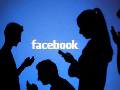 फेसबुक यूजर्स डेटा लीक: सामने आई हैरान करने वाली रिपोर्ट्स
