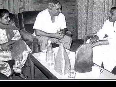 Voton Ka Ganit Jaanein Kya Hua Tha Jab 25 Saal Pehle Saath Aae The SP-BSP