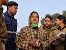 50 year old woman arrested for shouting pakistan zindabad near india gate throwing shoe at amar jawan jyoti