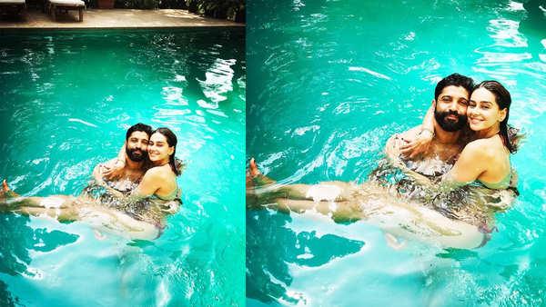 farhan akhtar gets cosy with shibani dandekar in pool says love you loads