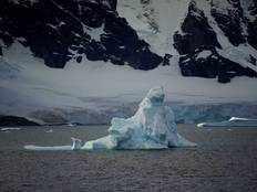 1980 के दशक की तुलना में 6 गुना तेजी से पिघल रही है अंटार्कटिका में बर्फ