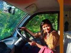 student hanan hamid who sells fish injured in another accident
