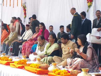 गंगा पूजन करते राष्ट्रपति