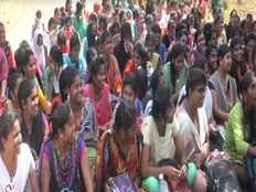 polytechnic college students protest against teachers protest in puducherry