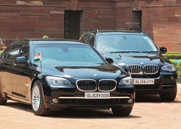 गणतंत्र दिवस खास: देश के पूर्व प्रधानमंत्रियों ने की इन कारों की सवारी