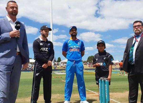 भारत ने टॉस जीत चुनी बल्लेबाजी