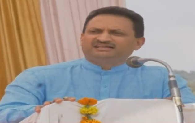 केंद्रीय मंत्री अनंत कुमार हेगड़े का बयान, हिन्दू लड़की को छूने वाले हाथ बचने नहीं चाहिए