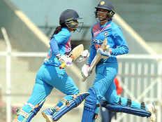 indw vs nzw smriti mandhana mithali raj fifty india beats new zealand women to clinch odi series