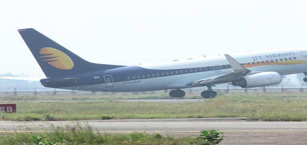 ऋणदाताओं को शेयरहोल्डर बनाना चाहता है जेट एयरवेज, SBI ले सकता है 15% शेयर: रिपोर्ट्स