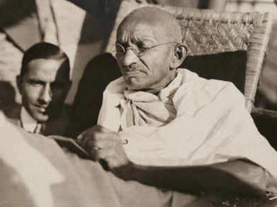 आज महात्मा गांधी की पुण्यतिथि है