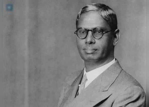 पहला बजट  आर.के. शणमुगम चेट्टी ने पेश कया