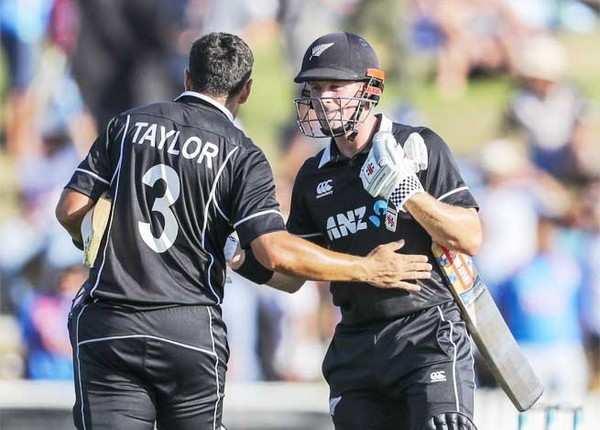 न्यू जीलैंड की 8 विकेट से जीत