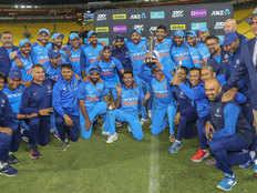 टीम इंडिया ने मनाया 'हाउज द जोश' स्टाइल में जीत का जश्न