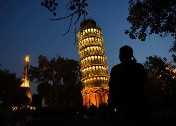 लीनिंग टावर ऑफ पीसा