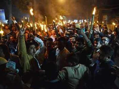 PM Narendra Modi Ka Asam Daura Kaale Jhande, Putala Jalaane Ke Ailaan Ke Baad Guwahati Mein Nishedhaagya