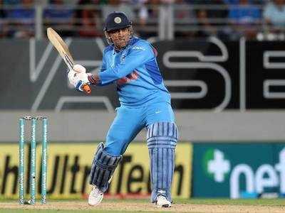 Mahendra Singh Dhoni Bane 300 Tee20 Match Khelne Vaale Pehle Bhaarateeya Khilaadi