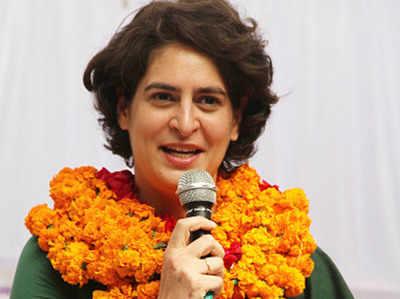 Lucknow Mein Priyanka Gandhi Ka Road Sho BJP Par Congress Ka Poster Vaar, Garamaaya Siyaasi Maahaul
