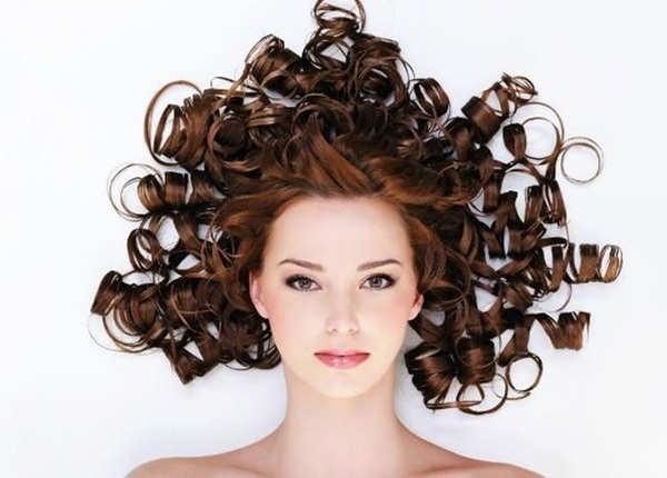 ये हेयरस्टाइल्स बालों को करते हैं डैमेज