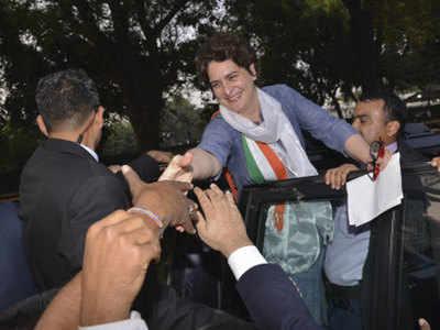 Lucknow Mein Road Sho Se Pehle Twitter Par Priyanka Gandhi Ki Entry