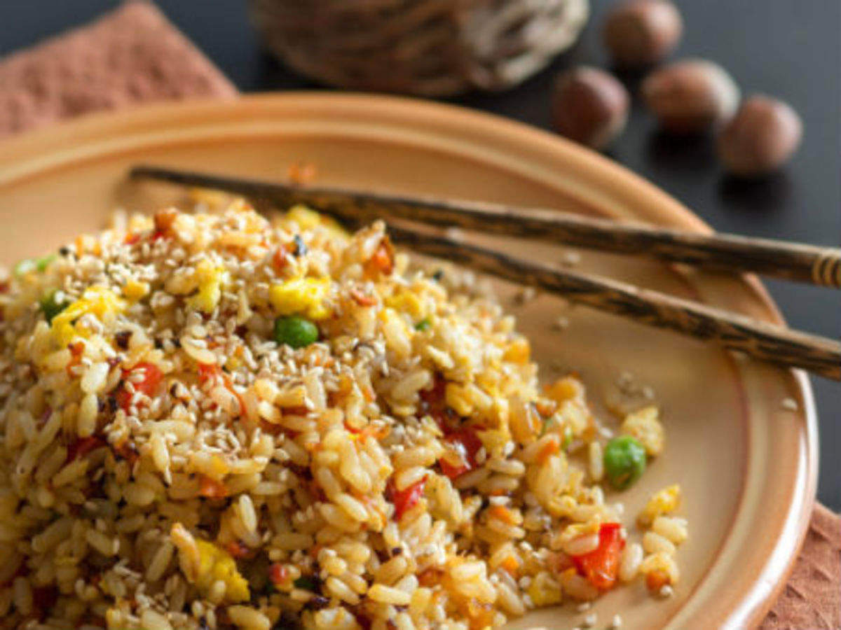 Health news: बचे चावल को खाने से हो सकती फूड पॉयजनिंग, ऐसे करें बचाव -  leftover rice can cause food poisoning know how to store and how it can  affect   Navbharat Times
