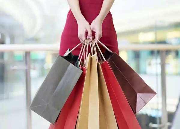 शॉपिंग कर बिताएं दिन