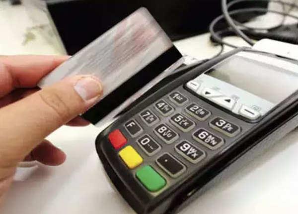 ATM कार्ड की क्लोनिंग कर चुराए 50 लाख रुपये