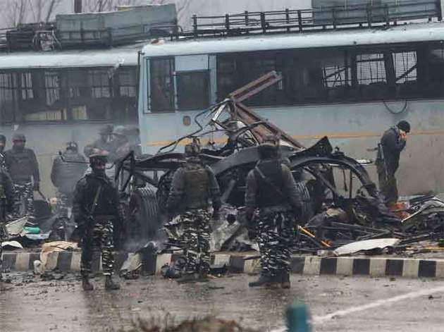 पुलवामा में सीआरपीएफ के काफिले पर आतंकी हमला