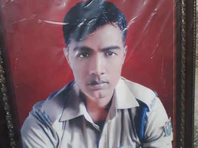 शहीद विजय कुमार मौर्य (फाइल फोटो)