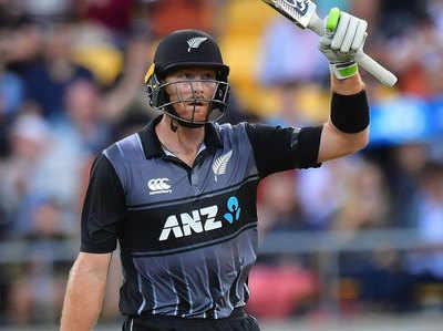 मार्टिन गप्टिल ने इस वर्ष की सीरीज वनडे सेंचुरी लगाई।