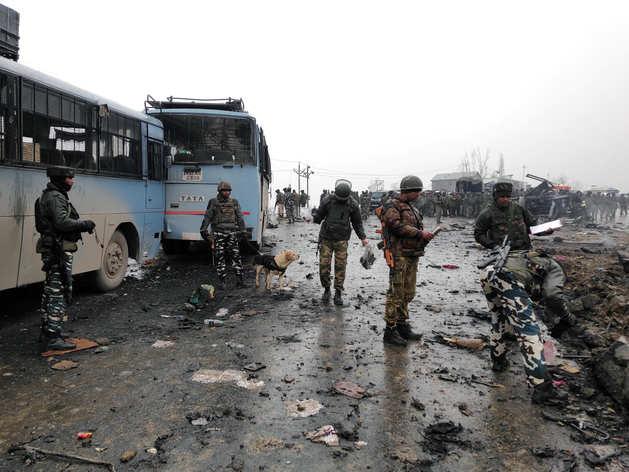पुलवामा हमले के बाद का मंजर (फाइल)