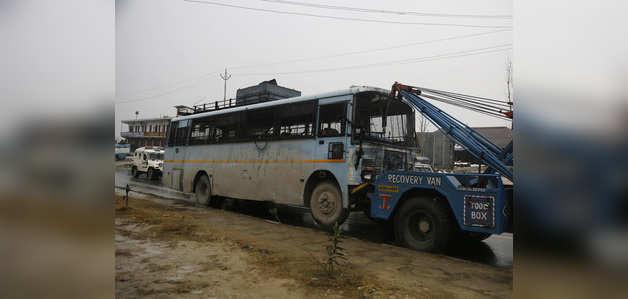 पुलवामा आतंकी हमले के लिए पाकिस्तान ने भारत की सुरक्षा और खुफिया एजेंसियों को जिम्मेदार ठहराया