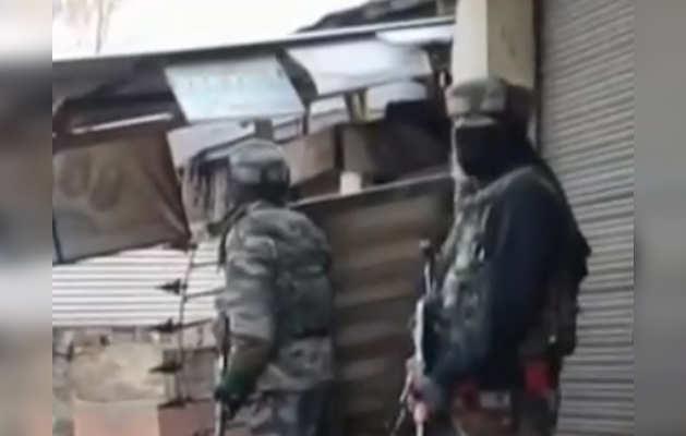 J&K: सुरक्षाबलों ने एनकाउंटर में पुलवामा हमले के मास्टरमाइंड गाजी रशीद  समेत 2 जैश आतंकी मार गिराए