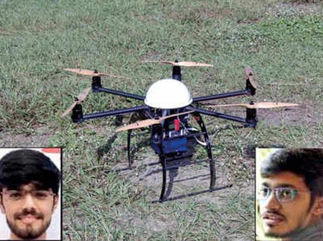 दो युवा इंजिनियर्स ने तैयार किया खास ड्रोन