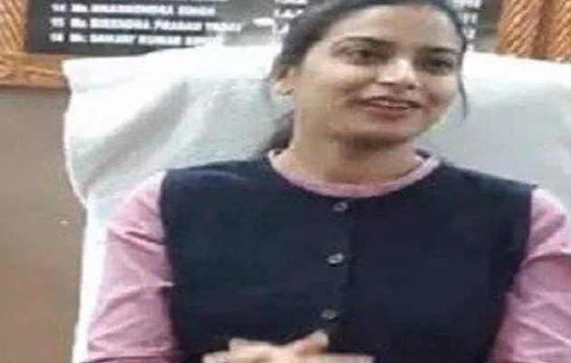 बिहार: पुलवामा हमले में शहीद हुए CRPF जवान के परिवार को गोद लेंगी शेखपुरा की डीएम