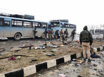 पुलवामा आतंकी हमला: पाकिस्तान की ओर इशारा कर रहा है मिलिटरी ग्रेड RDX