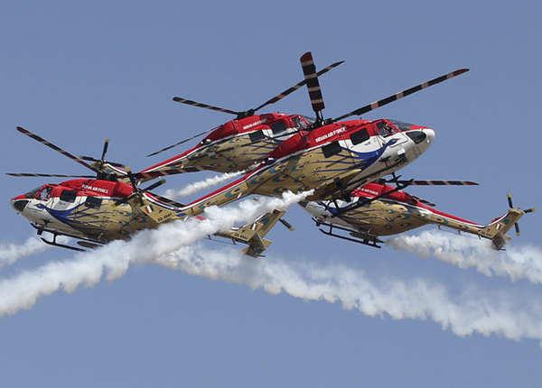 सारंग हेलिकॉप्टर का करतब