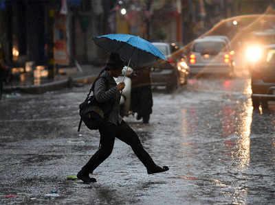 दिल्ली-NCR में सुबह-सुबह बारिश, पड़ सकते हैं ओले