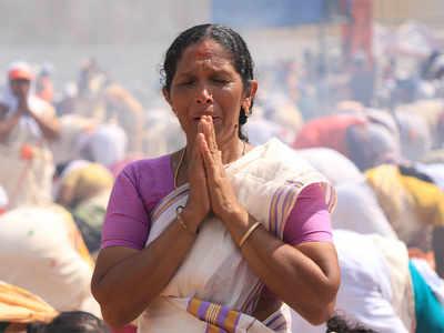 महिलाओं ने अट्टुकल मंदिर में की प्रार्थना