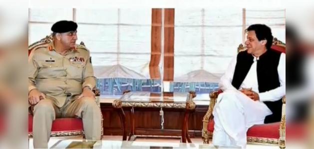 पुलवामा हमला: भारत के सख्त रुख के बाद पाक पीएम इमरान खान ने पाक आर्मी चीफ से मुलाकात की