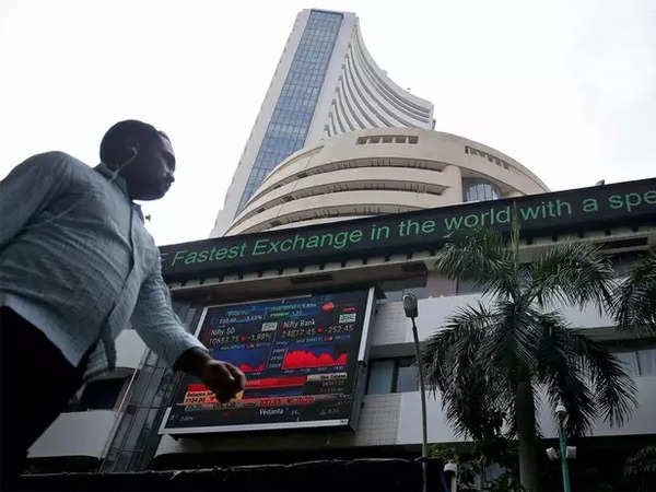 sensex nifty close in the red