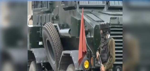 कश्मीर: कुलगाम में सुरक्षाबलों और आतंकियों के बीच मुठभेड़, डीएसपी शहीद