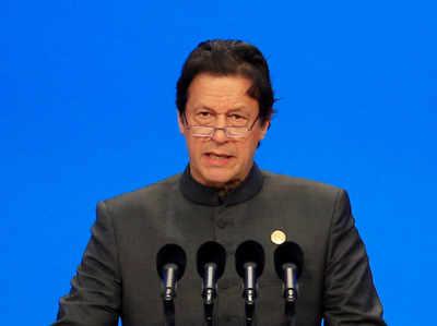 पुलवामा आतंकी हमला: भारत के सख़्त रुख से सहमा पाकिस्तान, इमरान खान ने कहा- शांति का एक और मौका मिले