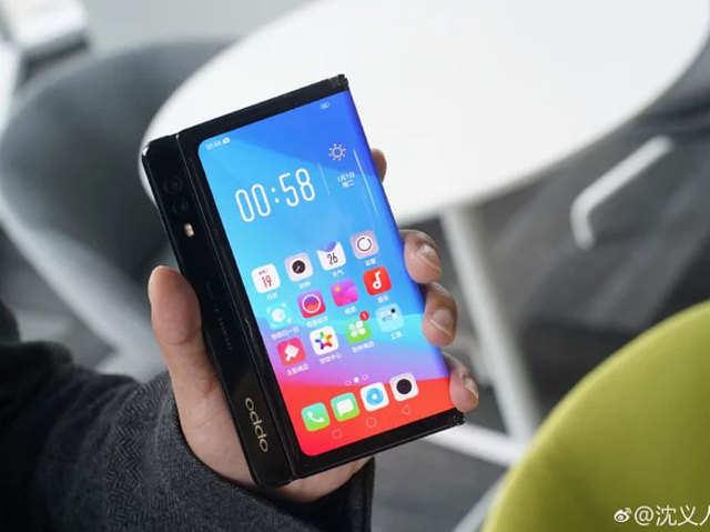 ओप्पो का फोल्डेबल फोन (फोटो क्रेडिट: वीबो)