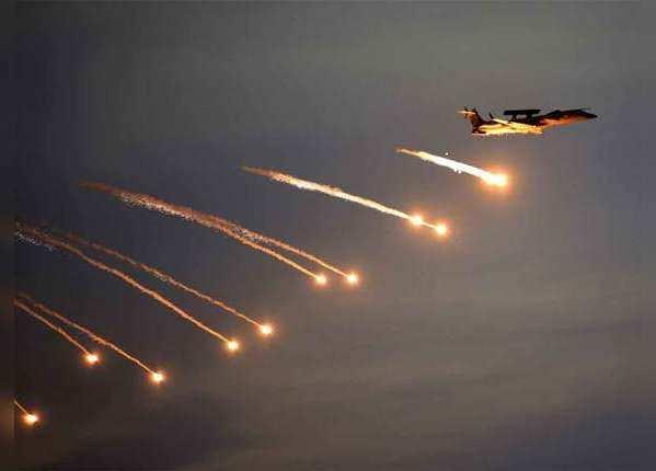 PoK में मिराज ने गिराए बम, जानें इस विमान की बड़ी बातें