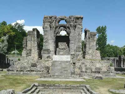 जम्मू-कश्मीर में स्थित हैं ये प्रसिद्ध हिंदू मंदिर, जानें